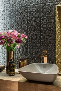 Bathroom spa decor linen closets 46 ideas for 2019 House Design, Spa Bathroom Decor, Trendy Bathroom, Spa Decor, Spa Like Bathroom, Rustic Bathrooms, Luxury Bathroom, Wall Design, Bathroom Design