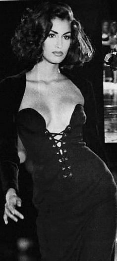 Yasmeen Ghauri - Gianni Versace Liebte das so sehr damals, wollte . - Tricia Francois - - Yasmeen Ghauri - Gianni Versace Liebte das so sehr damals, wollte . 90s Fashion, Couture Fashion, Runway Fashion, Fashion Models, Vintage Fashion, Style Fashion, Fashion Jewelry, Fashion Tips, Gianni Versace