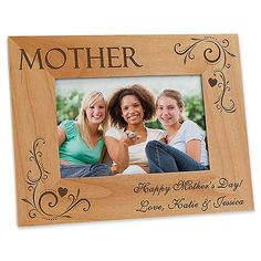 Loving Hearts Personalized Photo Frame- 4 x 6 Family Photo Frames, Hanging Picture Frames, Wooden Picture Frames, Picture On Wood, Mom Pictures, Heart Pictures, Photo Frame Design, Picture Design, Gravure Laser