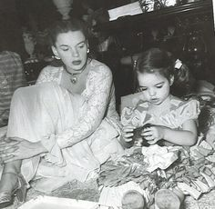 Judy Garland & Liza Minnelli so precious