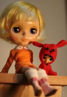 Mitten Blythe ~ http://www.glittyknittykitty.co.uk/archive/2005/07/