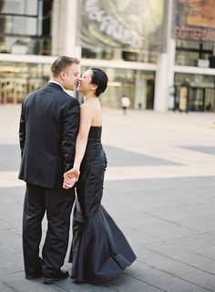 If you wanna go all out for your engagement sesh, get your style inspiration from these two! Wow! Completely classic & fabulous!  Lincoln Center black tie engagement shoot. Jen Huang.