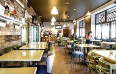 Restaurant Cluj – Eday-Eday.ro – Anunturi gratuite Conference Room, Restaurant, Table, Furniture, Home Decor, Decoration Home, Room Decor, Diner Restaurant, Tables