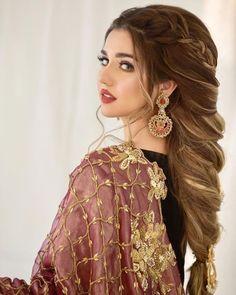 Pakistani Hair, Pakistani Bridal Wear, Pakistani Dress Design, Pakistani Dresses, Beautiful Dresses For Women, Stylish Dresses For Girls, Stylish Girl Pic, Beautiful Women, Night Hairstyles