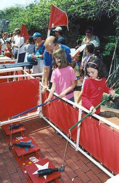 Google Image Result for http://www.pinecrest-fl.gov/ftp/pix/030803/images/Kids%2520enjoyed%2520the%2520carnival%2520games%2520during%2520the%2520park%27s%2520opening%2520day.jpg