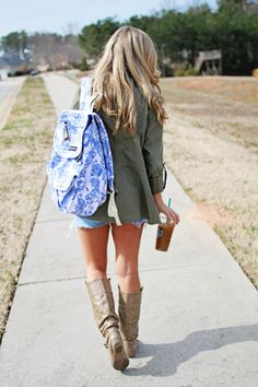 Sporting this floral backpack from the best @JanSport visit at HerLovelyStyle.com