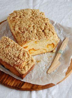 Apricot cream cheese babka / Babka de cream cheese e damasco by Patricia Scarpin, via Flickr