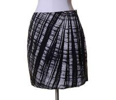 Ann Taylor Black & White Artsy Silk Lined Gathered Asymmetric Mini Skirt Size 8