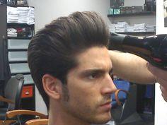 Nuevo peinado para nuestro cliente en #quiquepop #barbershop #americancrew