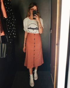Outfits hermosos con faldas midi para darle un descanso a tus jeans - Anziehen - Beautiful outfits with midi skirts to give your jeans a rest Lazy Day Outfits, Modest Outfits, Modest Fashion, Spring Outfits, Trendy Outfits, Cute Outfits, Fashion Outfits, Fashion Skirts, Outfit Summer