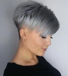 Gray Choppy Under-Shaved Pixie asymetrisch 70 Overwhelming Ideas for Short Choppy Haircuts Short Choppy Haircuts, Cute Hairstyles For Short Hair, Short Hair Styles, Perfect Hairstyle, Haircut Short, Layered Haircuts, Elegant Hairstyles, Super Short Hair, Short Grey Hair