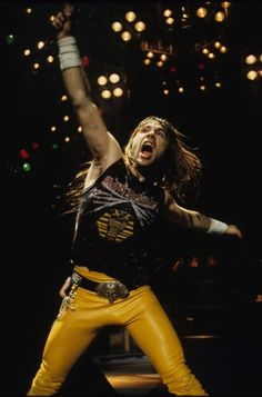 Every Day With Classic Rock & Heavy Metal & More. Iron Maiden Live, Iron Maiden T Shirt, Iron Maiden Band, Elvis Presley, Beatles, Metallica, Rock N Roll, Rock And Roll Fantasy, Bruce Dickinson