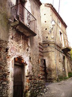 Miraglia, antiche case di pietruccia e calce