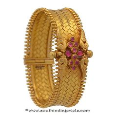 22k gold antique kada bangle collections from Prince Jewellery.