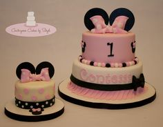 Happy 1st Birthday Contessa - I'm not sure who originally designed this minnie mouse inspired cake (its all over pinterest) but this is the 2nd time I've made it but this time with a little smash cake :) TFL <3