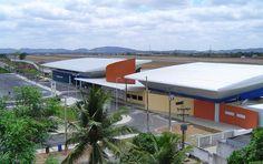 O Aeroporto de Campina Grande, na Paraíba, recebeu R$ 145,7 mil em investimentos na acessibilidade das instalações. As melhorias foram realizadas nas adaptações dos sanitários no saguão e nas áreas de embarque e desembarque, com a instalação de piso tátil e direcional, além da adequação da escada de acesso ao mezanino e implantação de placas em braille.