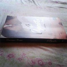 Acabei esses dias resenha em breve no #blogEuInsisto #Livro #book #instabook