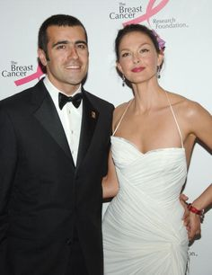 Dario Franchiti and Ashley Judd ensured privacy by renting out all 40 rooms at a castle for an estimated cost of $35,000 per night for 5 nights (December 12, 2001).