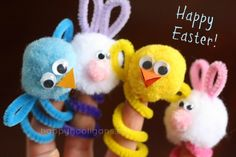 Easy Easter Finger Puppets for Kids Easter finger puppet craft – pipe cleaners, pom poms, wiggly eyes, felt Crafts For Kids To Make, Easter Crafts For Kids, Toddler Crafts, Art For Kids, Spring Crafts, Holiday Crafts, Puppets For Kids, Pipe Cleaner Crafts, Pipe Cleaner Flowers