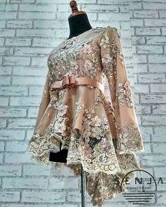 Kebaya Hijab, Kebaya Muslim, Kebaya Brokat, Model Dress Kebaya, Modern Kebaya, Batik Fashion, Casual Hijab Outfit, Engagement Dresses, Stylish Clothes For Women