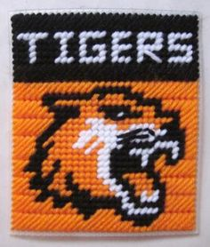 Tigers tissue box cover in plastic canvas