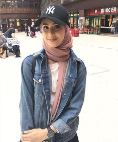 Hijab Fashion Selection of special veiled trend looks Fashion 90s, Modern Hijab Fashion, Street Hijab Fashion, Hijab Fashion Inspiration, Muslim Fashion, Modest Fashion, Look Fashion, Trendy Fashion, Fashion Outfits