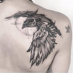 jentheripper | Crow tattoo by Matteo Gallo #MatteoGallo #trashstyle #graphic #blackwork #sketch #abstract #crow | Tattoodo