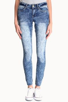 JEANS STRECH ACID   $74.900 Compra en Colombia este y muchos otros productos fashion desde nuestra tienda www.bonitas.com.co  tenemos outfits, accesorios, zapatos, maquillaje y mucho más para ti.