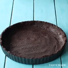 Chocolate cheesecake Thick, rich and dangerously decadent. If you're looking for the perfect chocolate cheesecake, look no further! This dessert is a show stopper! Cookies are my jam, but cheesecake is my…View Post Cheesecake Cake, Chocolate Cheesecake, Chocolate Desserts, Cheesecake Recipes, Cookie Recipes, Mango Cheesecake, Chocolate Chocolate, Chocolate Cookies, No Bake Desserts