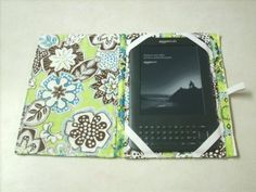 I want a custom one of these for my nook now after seeing my friend  Vicky and lindsey's :)