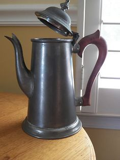 WILLIAMSBURG Petwer Stieff Tea Pot- Rosewood Handle