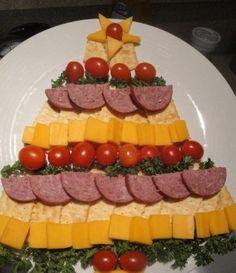 Albero con salumi e formaggi