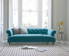 Modern Sofa Design: A Perfect Choice for Your Living Room Lounges, Living Room Sofa, Living Room Decor, Turquoise Sofa, Home Interior, Interior Design, Home Furniture, Furniture Design, Loaf Sofa