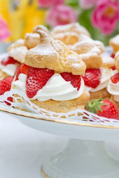 Photohildebrandt4 in Windbeutel mit Erdbeeren