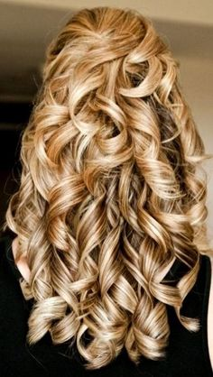 Trendy Wedding Hairstyles Blonde Curls Curly Hair, You can collect images you discovered organize them, add your own ideas to your collections and share with other people. Black Roots Blonde Hair, Long Blonde Curly Hair, Blonde Curls, Blonde Wig, Long Curly, Thick Hair, Straight Hair, Cute Hairstyles For Summer, Cute Simple Hairstyles