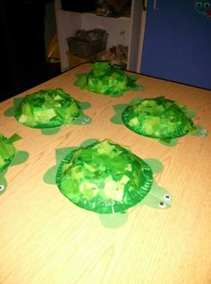 Paper bowl turtle with tissue paper