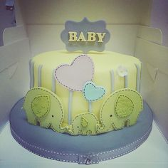 First Birthday Cakes, First Birthdays, Desserts, Christmas, Food, Tailgate Desserts, Xmas, One Year Birthday, Deserts