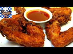 The Wolfe Pit: Chinese Chicken Wings with Mumbo Sauce - Chinese Food New Cooking, Cooking Recipes, Cooking Videos, Food Videos, Asian Cooking, Easy Cooking, Chinese Fried Chicken Wings, Chinese Wings, Wings Restaurant