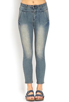 Shop the latest women's high waisted jeans at Forever 21 to carry you through every season. Get inspired by high rise jeans in every style! Cheap High Waisted Jeans, High Waisted Shorts, Denim Fashion, Style Fashion, High Rise Jeans, Clothing Items, Forever 21, Skinny Jeans, My Style