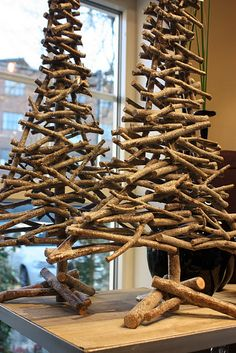 ≈Christmas tree sculptures from twigs and sticks - very unique, also great for rustic decor