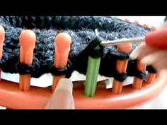 ▶ How To Loom Knit A Chunky Beanie Hat Pt. 1 - YouTube