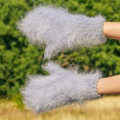 SUPERTANYA Hand knitted mohair mittens GRAY fluffy THICK GREY fuzzy hand warmers #SuperTanya #Mittens