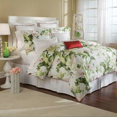 Charisma Bedding, Bloom Floral Full Queen Duvet Cover