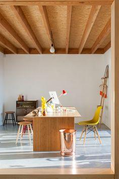 I love this interior design! It's a great idea for home decor. Home design. Interior Stairs, Interior Architecture, Ideas Terraza, Retro Interior Design, Turbulence Deco, Ceiling Design, Beautiful Interiors, Interior Inspiration, Interior Decorating