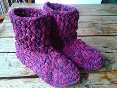 Chunky Yarn Slipper Booties: free crochet pattern