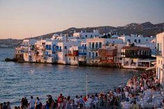 MÍKONOS, GRECIA Las Islas Cícladas han sido un imán para los artistas durante siglos.