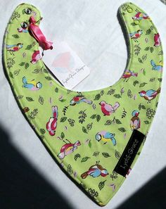 Check out this item in my Etsy shop https://www.etsy.com/uk/listing/384412336/lay-flat-bandana-bib-green-birds-fleece