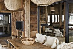 deco chalet mountain scandinavian skins – - Decoration For Home Living Room Remodel, Living Room Decor, Bedroom Decor, Chalet Interior, Interior Design, Chalet Design, House Design, Decoration Design, Colorful Interiors