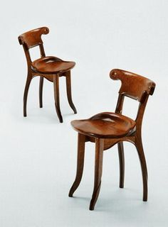 Pair of Antoni Gaudi, Modernist, Solid Varnished Oak, Batllo Spanish Chairs Vintage Furniture, Modern Furniture, Furniture Design, Silla Art Deco, Muebles Estilo Art Nouveau, Bd Art, Art Deco Chair, Art Nouveau Furniture, Modernisme