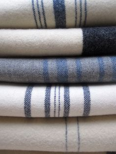 warm and cozy House & Garden small garden house Textiles, Love Blue, Blue And White, Deco Design, Striped Fabrics, Cozy House, Soft Furnishings, Wool Blanket, Home Textile